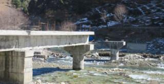 पाँच वर्षदेखि पक्की पुल अलपत्र